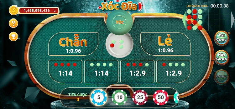 Xóc đĩa được xem là trò chơi đánh bạc quốc dân